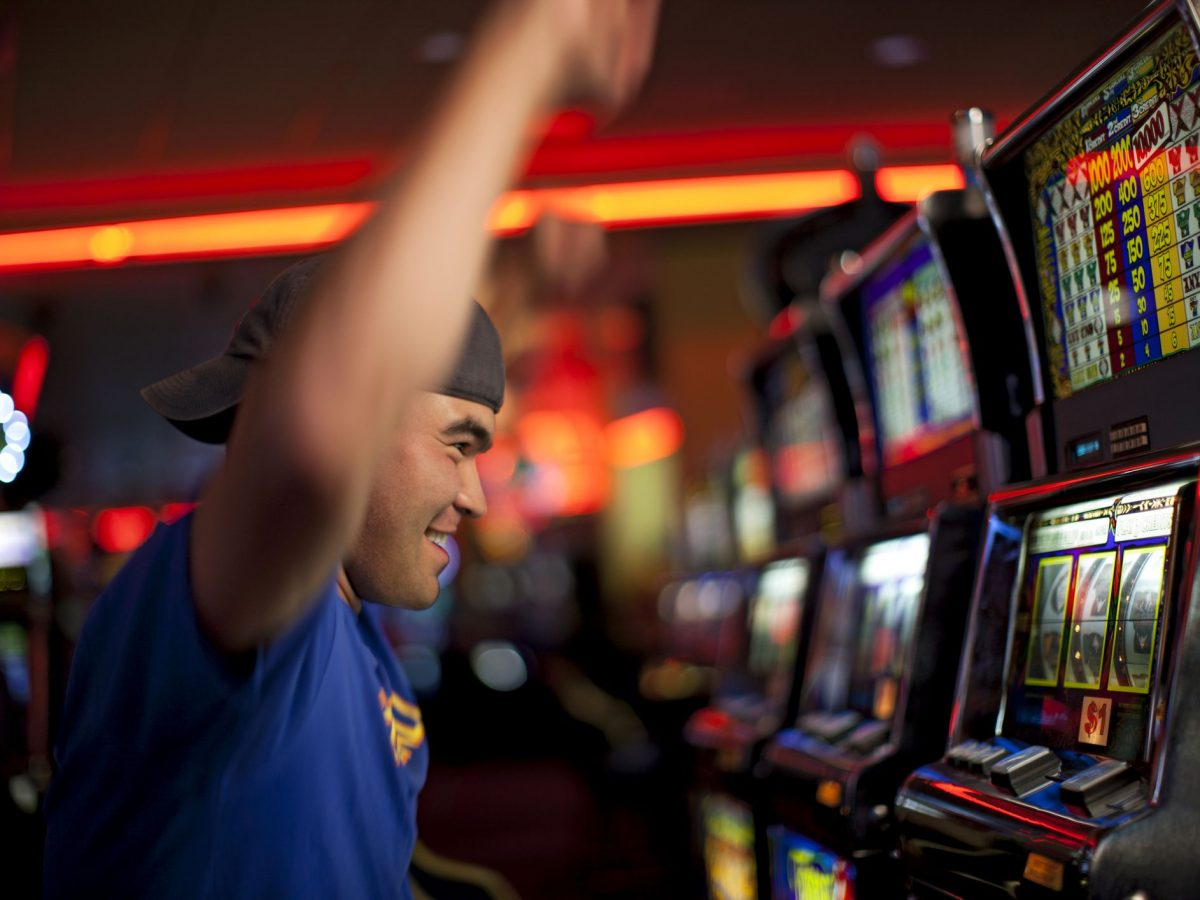 Filling Time to Play Online Game Slots