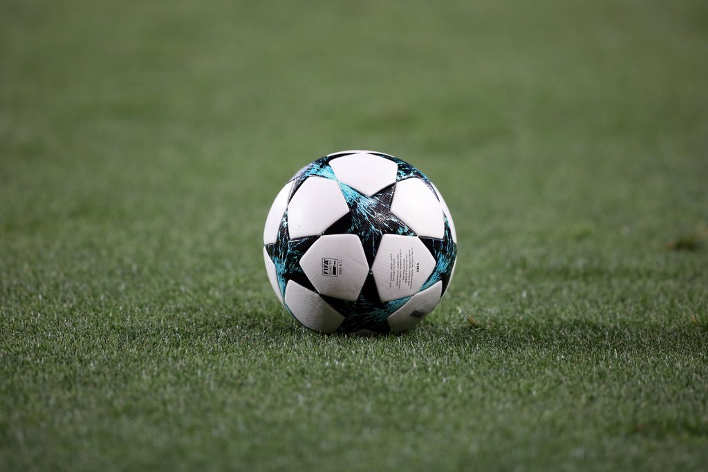 Simple Tricks to Win Big Playing Online Football Betting